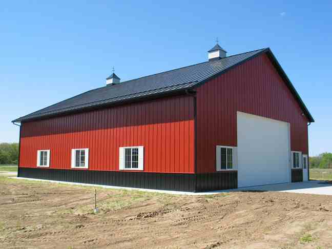 Pole barn contractor lewiston idaho lc valley concrete for Pole building pictures